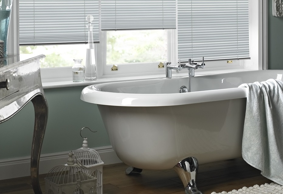 5 top tips for choosing bathroom blinds for Best blinds for bathrooms